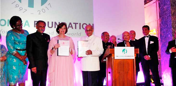 Cherie Blair and Kalyan Banerjee sign Loomba Foundation agreement